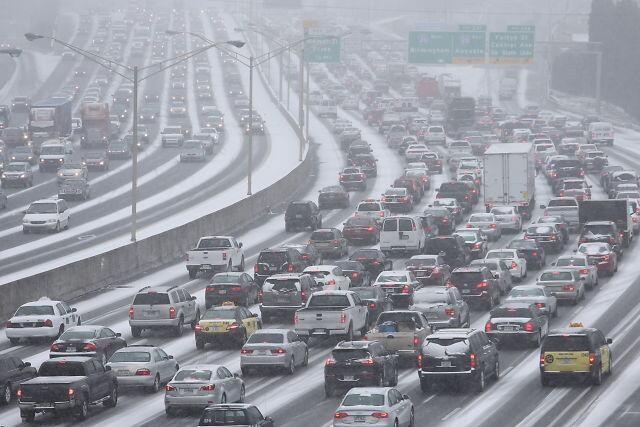 Atlanta traffic in snow II
