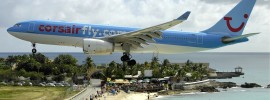 Corsair Airbus plan landing on Maho Beach